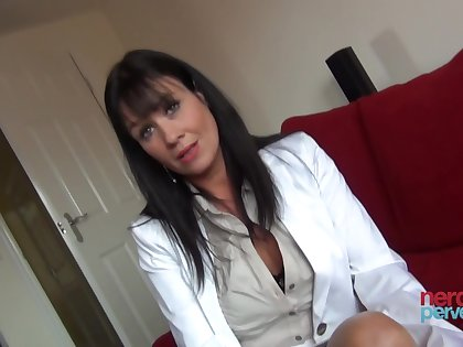 Elise Terrze is a milf who loves apropos suck dig up on camera
