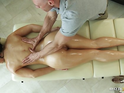 Massage therapist makes Jayden Jaymes horny for his stiff dick