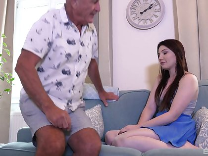 Amateur fucking between an older man and sexy teen Mia Evans