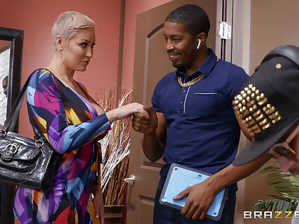 Older blonde dame Ryan Keely tries a succulent BBC surpassing for size